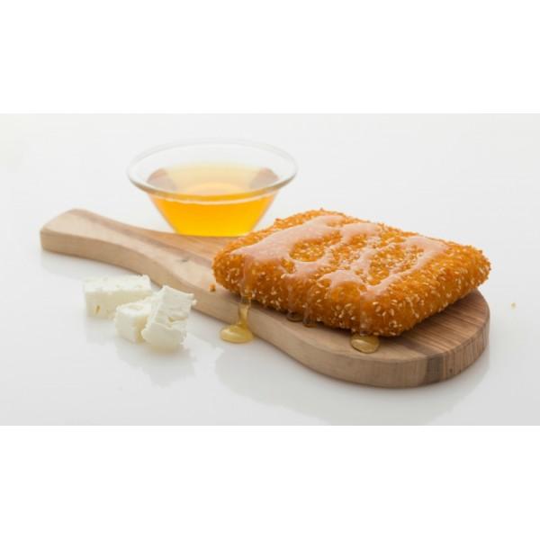 Φέτα πανέ με μέλι & σουσάμι